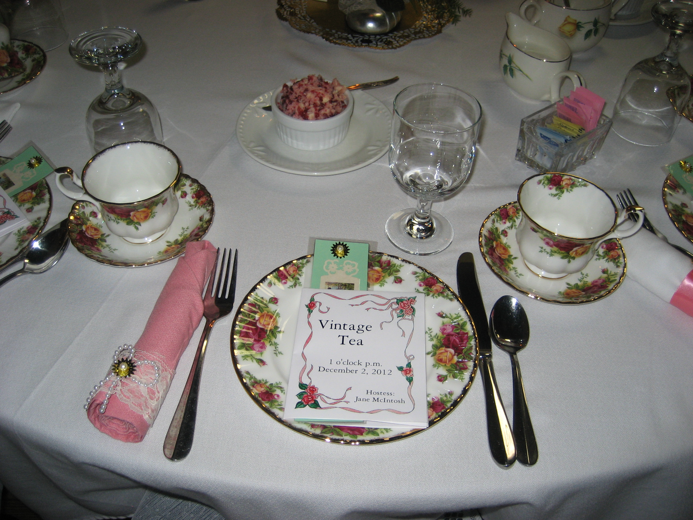 Vintage Tea Table Setting & Vintage Tea Table Setting | REM